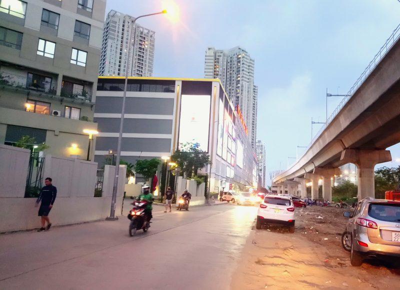 Bán lô đất nhà hàng mặt tiền đường Song Hành Xa Lộ Hà Nội, p.Thảo Điền, Quận 2, Dt 822m2